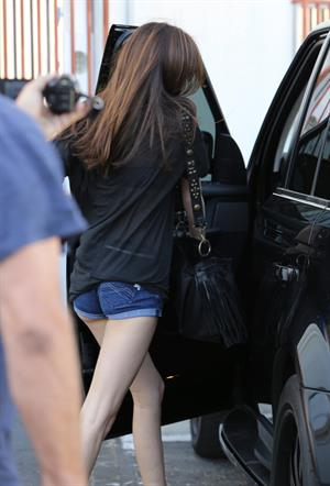 Kendall Jenner leaving a salon in LA 5/24/13