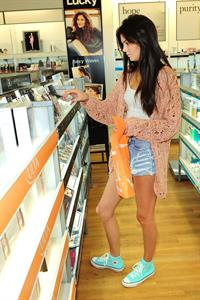 Kendall Jenner Ulta Beauty in West Hollywood 9/13/12