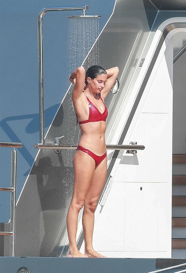 Sara Sampaio outdoor shower