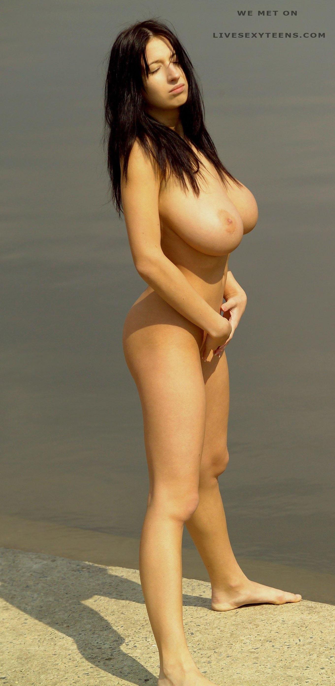 Jana defi naked