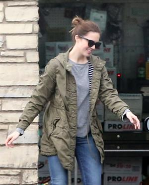 Mandy Moore - Stops at a star certified smog check station to pump up her tires in Los Feliz (02.02.2013)