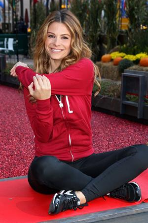 Maria Menounos Red Hot Secrets For Staying Healthy During The Holiday Season Event in NYC 15.11.13