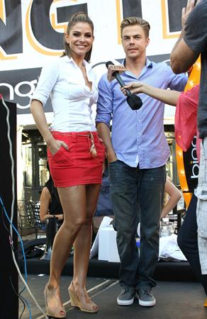 Maria Menounos - Promotes Bing at The Grove - September 13, 2012