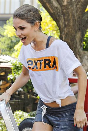 Maria Menounos - At The Grove for Extra Palooza in Los Angeles Sept 10, 2012