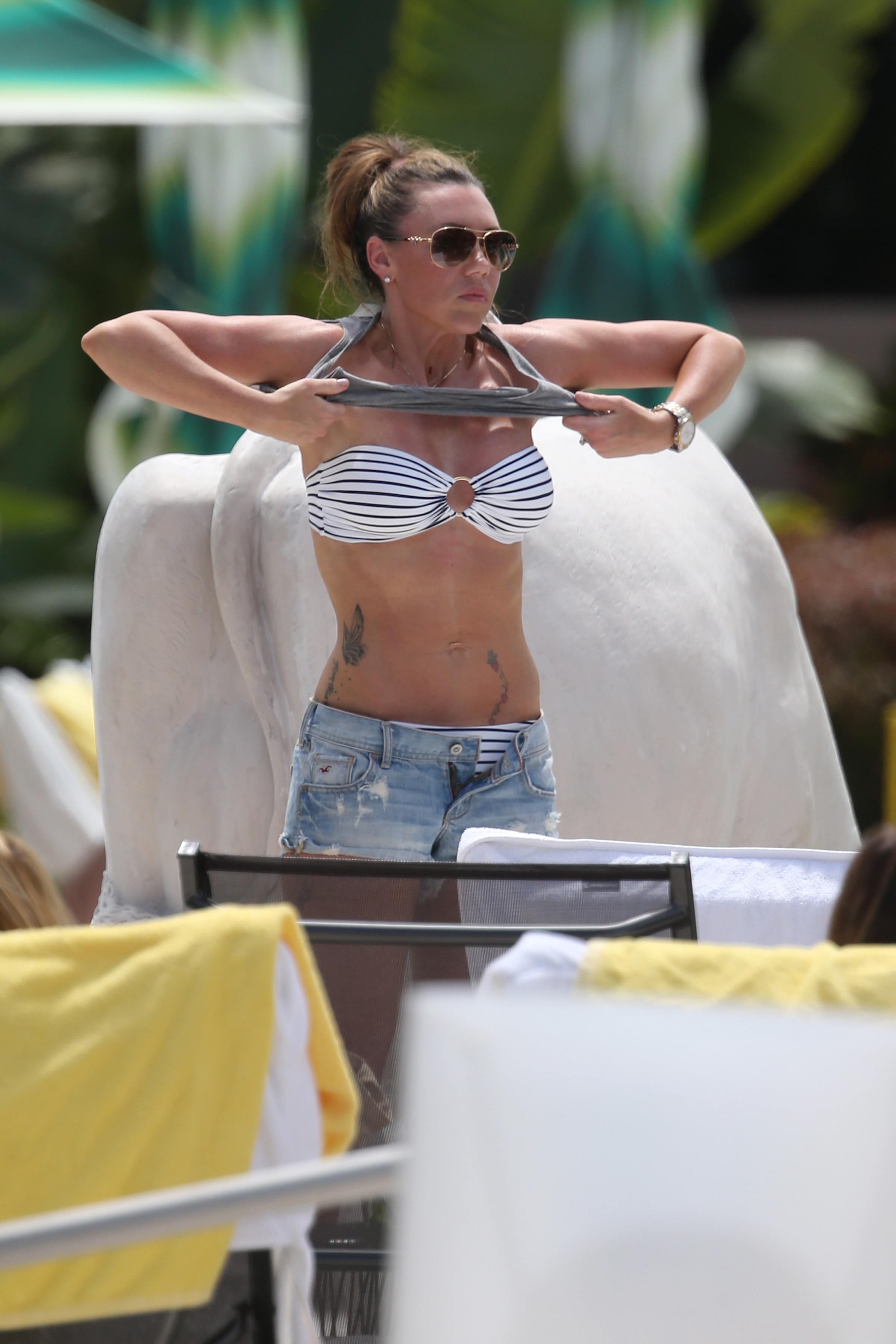 Michelle Heaton Filming a fitness show on Miami Beach, Florida (May 21, 2013)