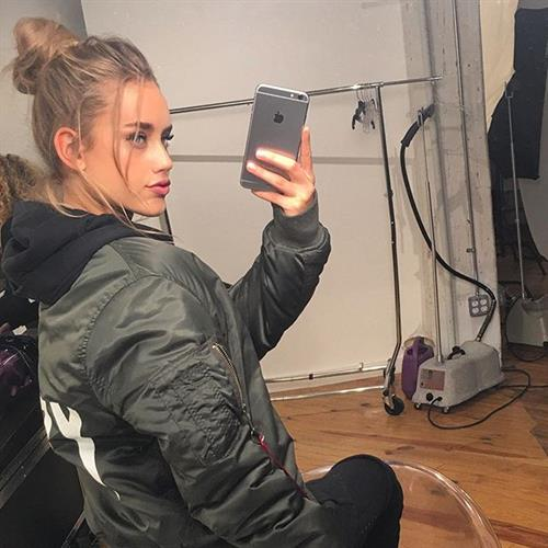 Chase Carter taking a selfie