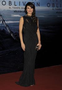 Olga Kurylenko  Oblivion  World Premiere in Buenos Aires, Argentina -- Mar. 26, 2013