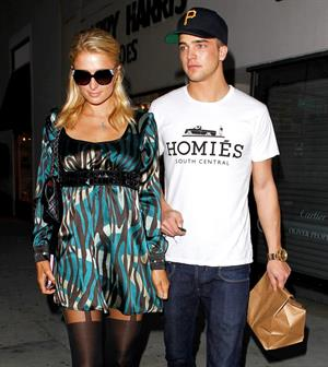 Paris Hilton Stops by Il Pastaio in Beverly Hills March 4, 2013