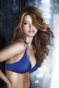 Adriana Lima Victoria Secret Holiday 2010