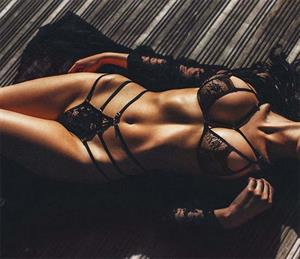 Say Hello To Catherine Shultz's Mouth-Watering Lingerie Pictures