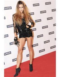 Nina Moric in lingerie