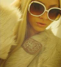 Aljona Shiskova taking a selfie