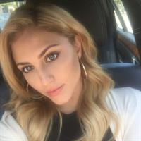 Cassie Scerbo taking a selfie