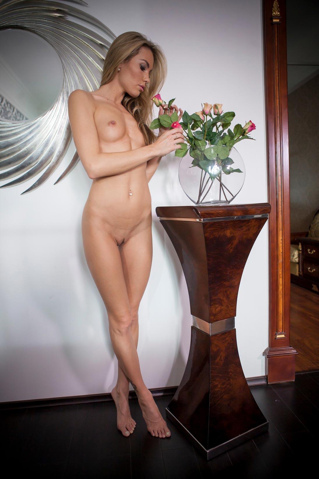 veronika-fasterova-naked