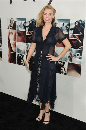 Kelli Garner at the premiere of If I Stay August 20, 2014
