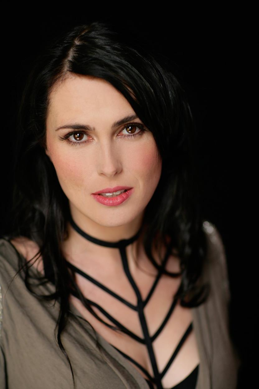 Sharon den Adel