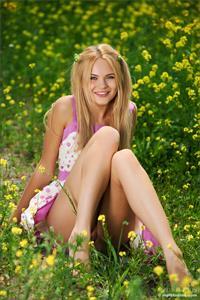 Talia Blonde has some fun in the sun