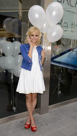 Pixie Lott - Launches the new Samsung Galaxy S3 in London (May 30, 2012)