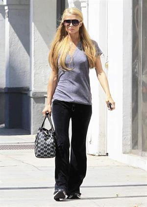 Paris Hilton - out in Beverly Hills August 30, 2013