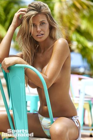 Samantha Hoopes For Sports Illustrated Swimsuit Edition 2017