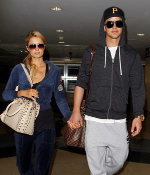 Paris Hilton and River Viiperi holding hands at LA. December 10, 2012
