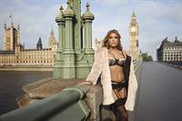 Sylvie van der Vaart in lingerie