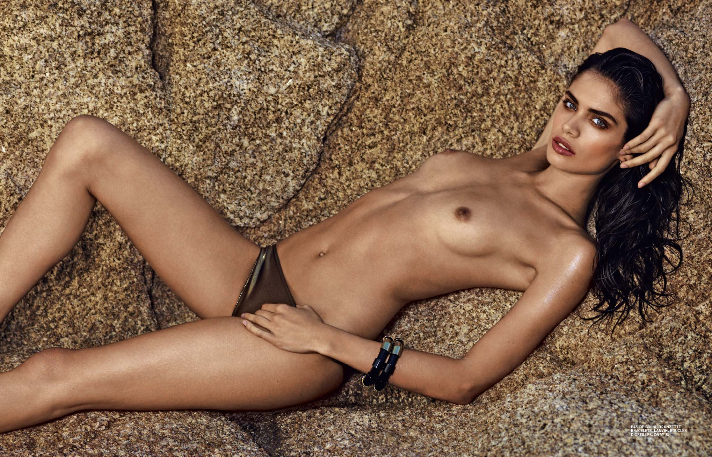 Sara Sampaio - breasts