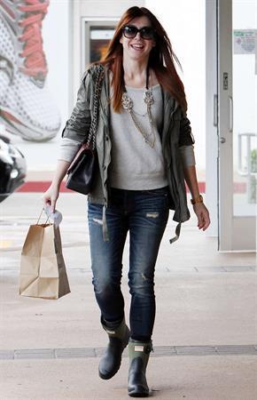 Alyson Hannigan Shopping in Brentwood (November 21, 2013)