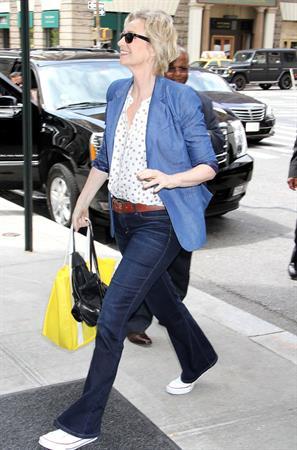 Jane Lynch in New York City (May 21, 2013)