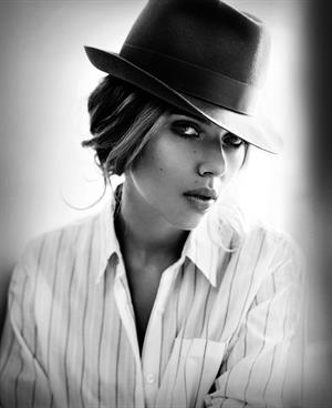 Scarlett Johansson: Vincent Peters Esquire Photoshoot