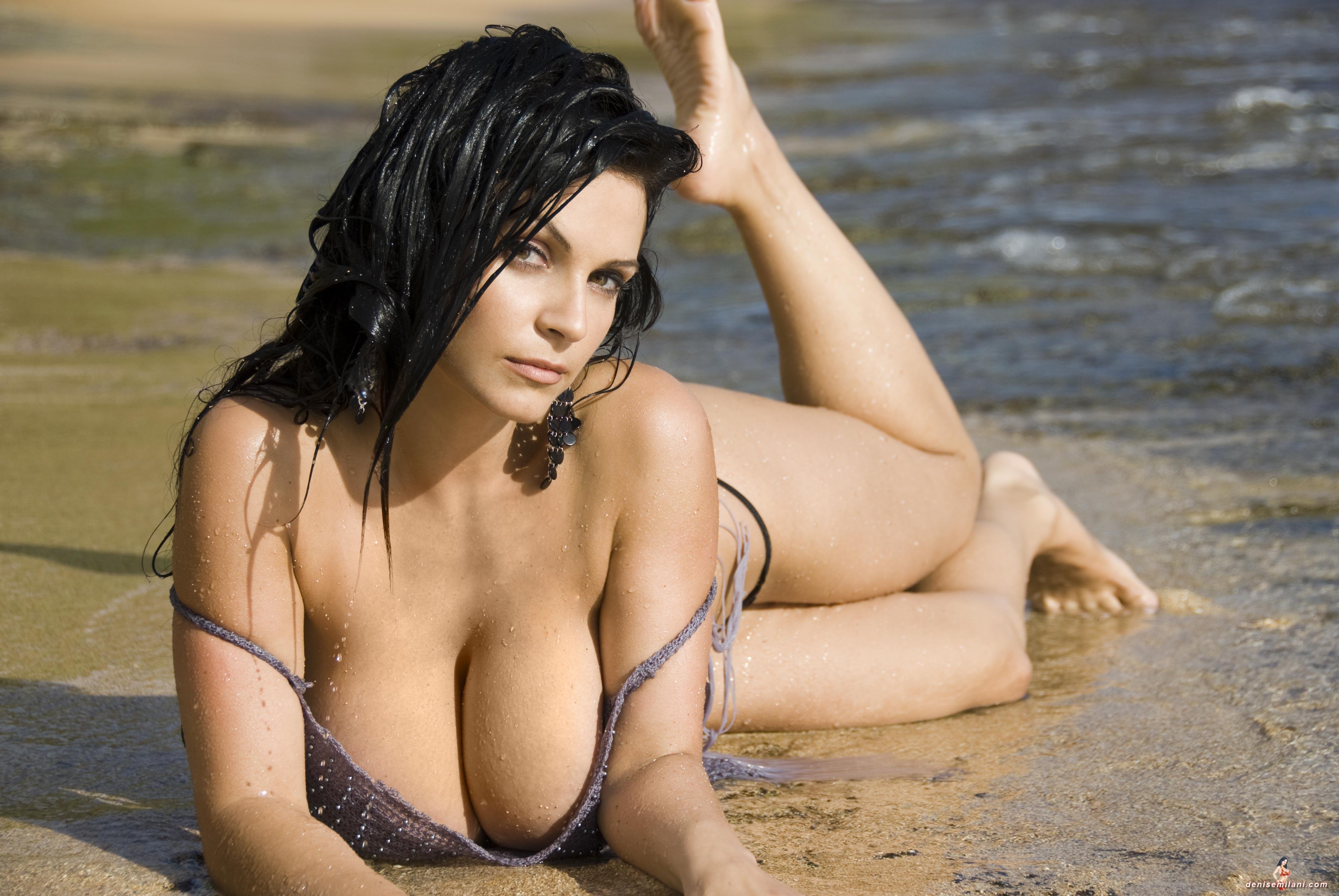 Beach bab nude
