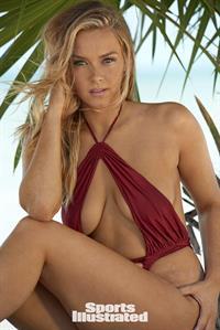 Camille Kostek Pictures