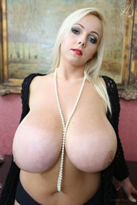 Agnetis Miracle - breasts