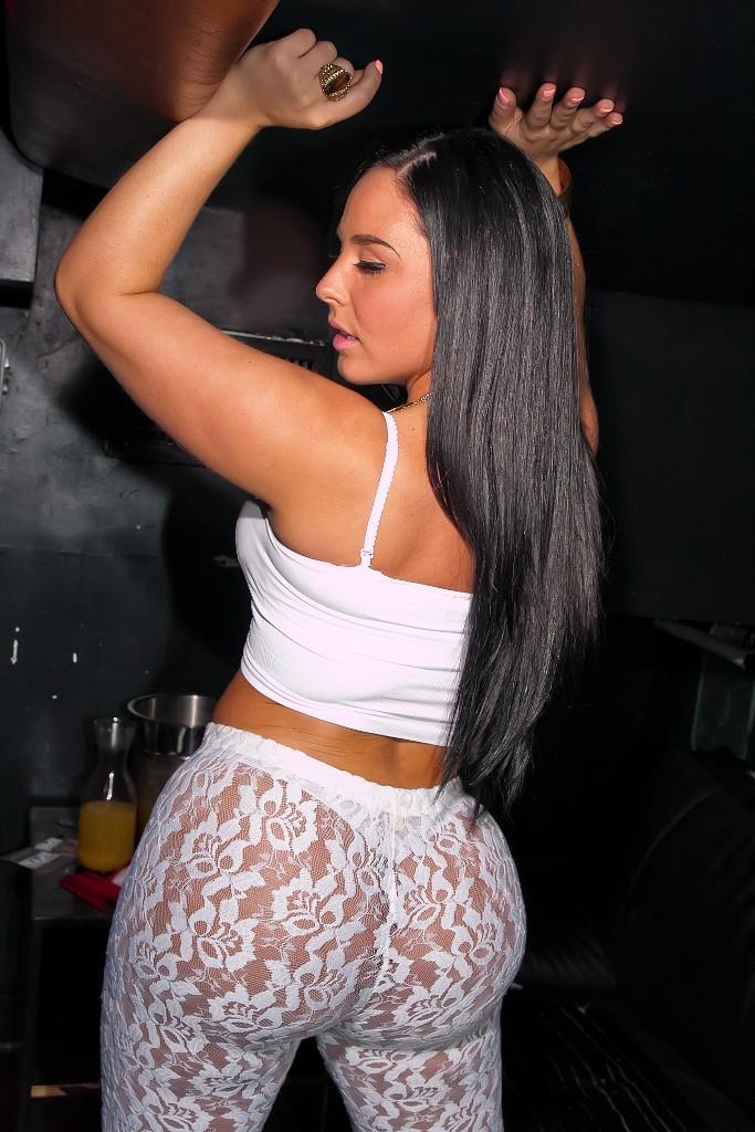 Hot ass brunette Monica Santhiago enjoys fervent anal drilling № 600680 без смс