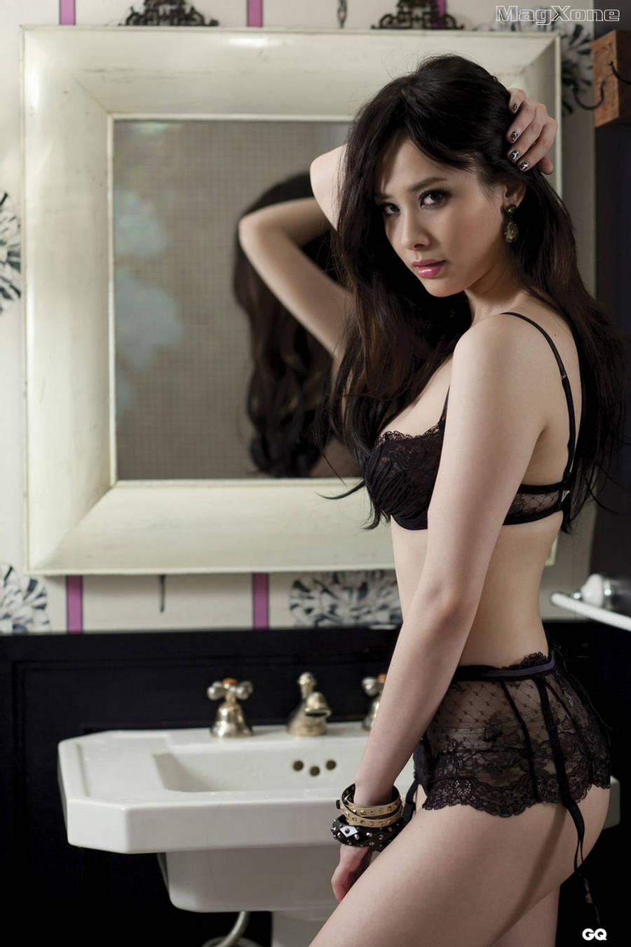 Doris Yeh in lingerie