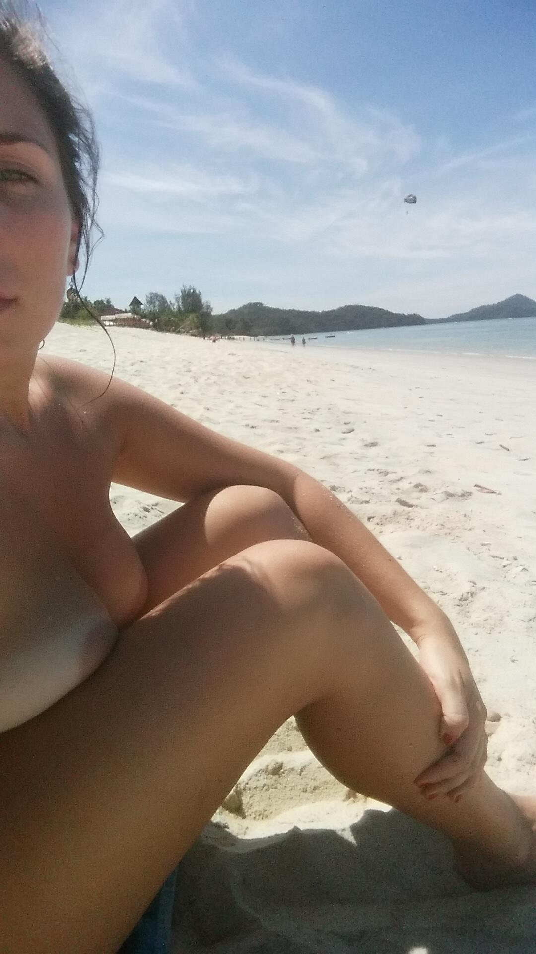 Anonymous Nude Beach Selfies Rating  94610-4407
