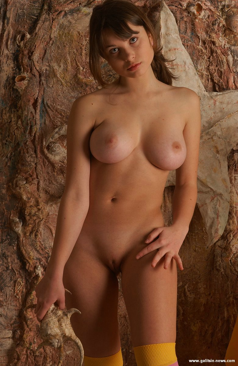 fine nude female models