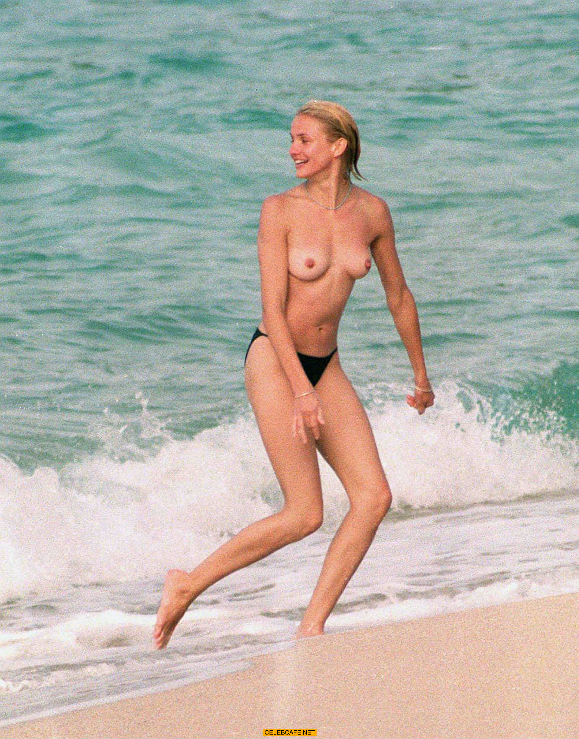 Topless Cameron Diaz nude photos 2019
