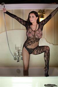 Ewa Barbara Sonnet - breasts