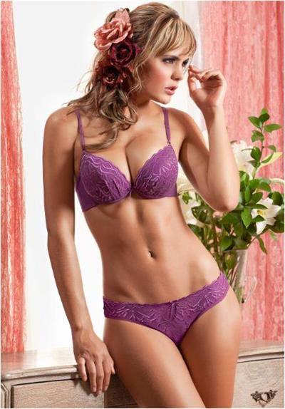 Melissa Giraldo in lingerie