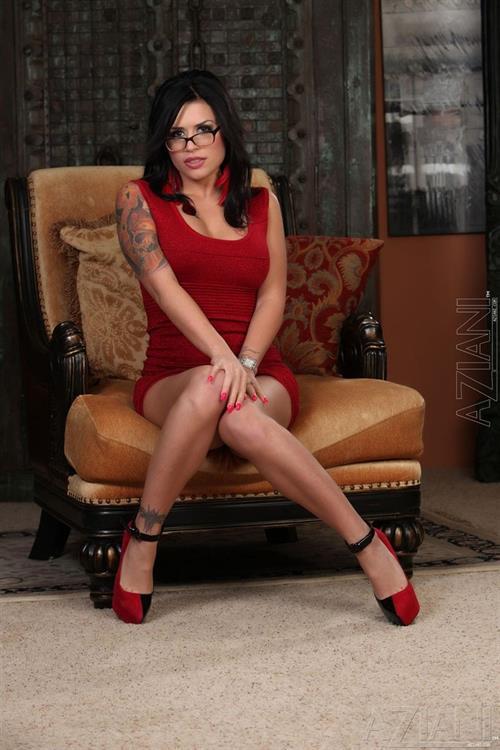 Lingerie and nylon attired Latina wife Eva Angelina sucking cock during 69 № 474123 без смс