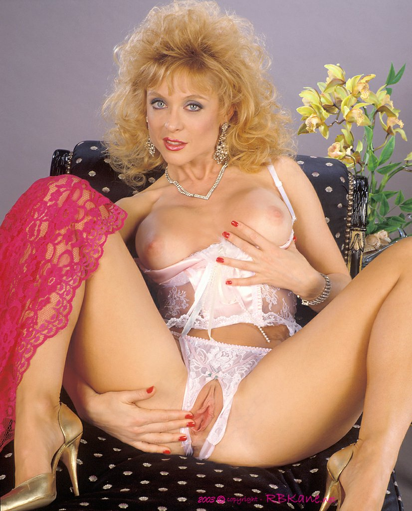Yvonne strahovski xxx porno