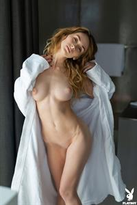 Yana West takes off her Robe for Playboy