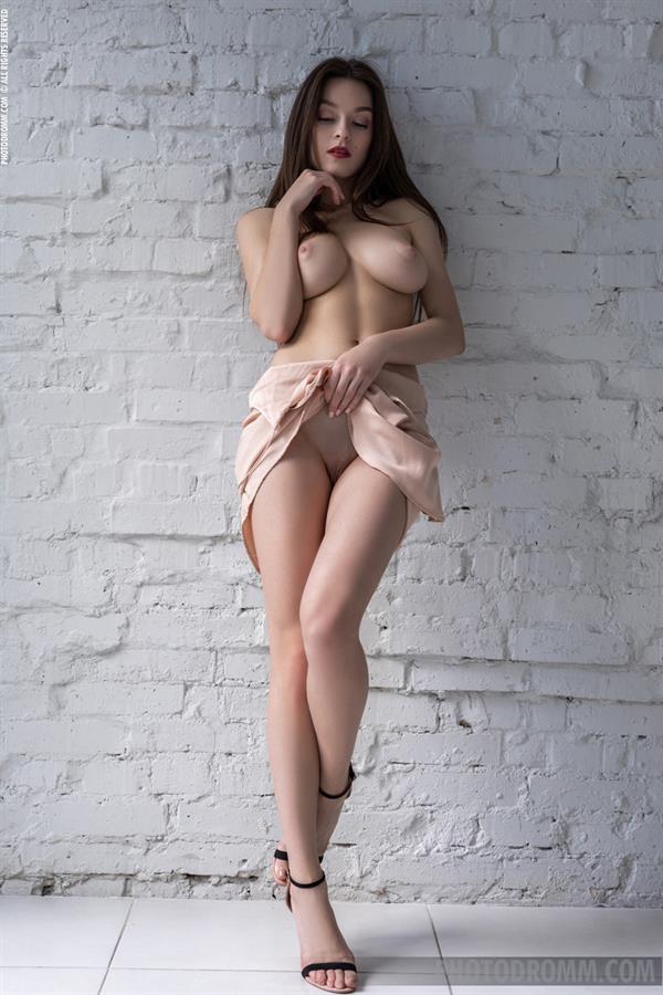 Alyson Bath - breasts