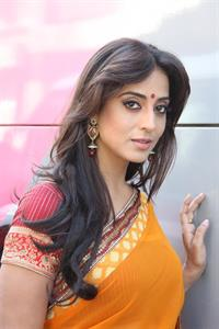 Mahie Gill unknown shooting spot HQ X