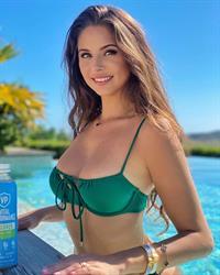 Carina Zavline green bikini