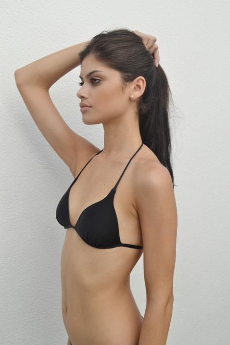 Lini Kennedy Oliveira in lingerie