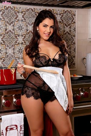Valentina Nappi Twistys treat of the month for May 2015 - in the kitchen