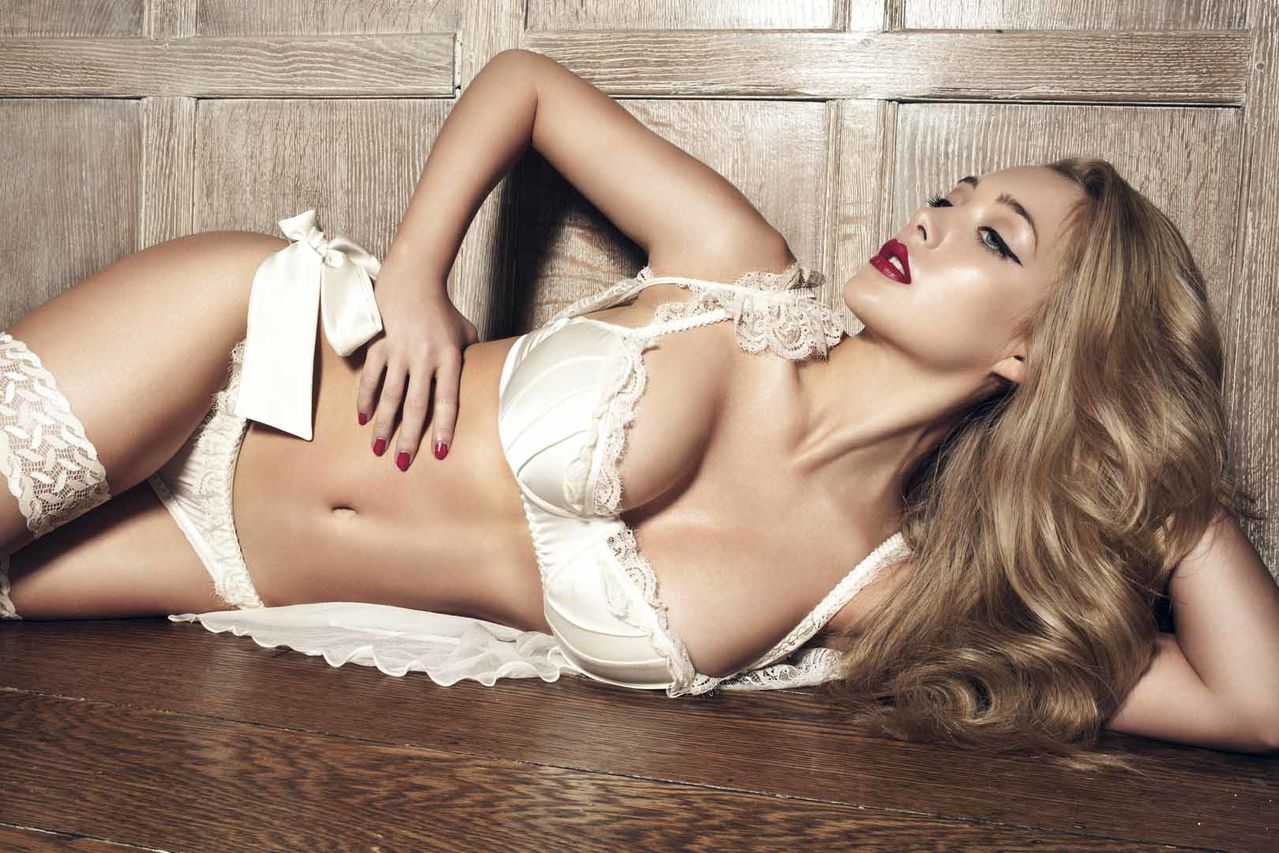 Penelope Simpson in lingerie