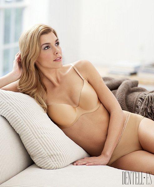 Johanna Lissvall in lingerie